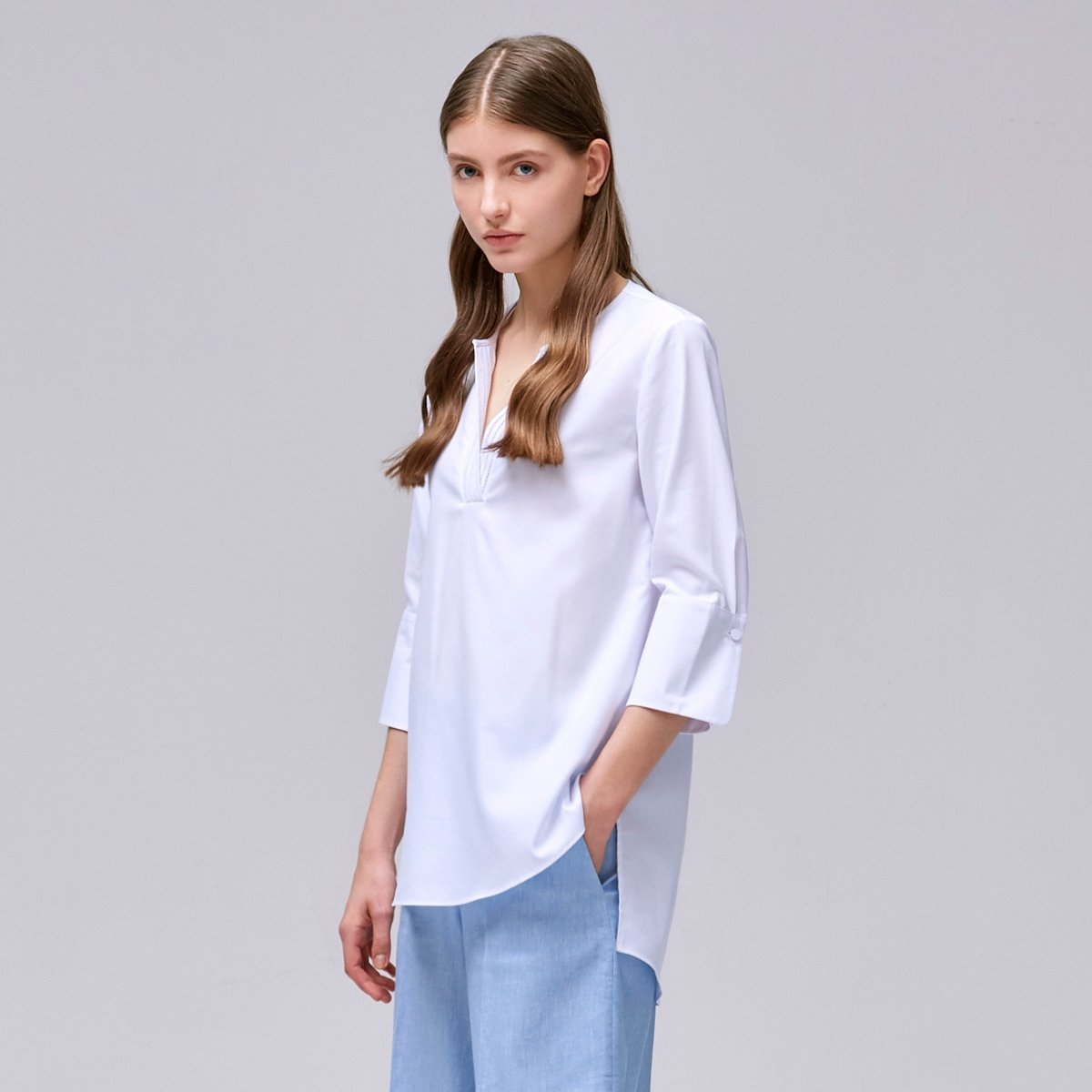Women's V-neck Blouse (White)