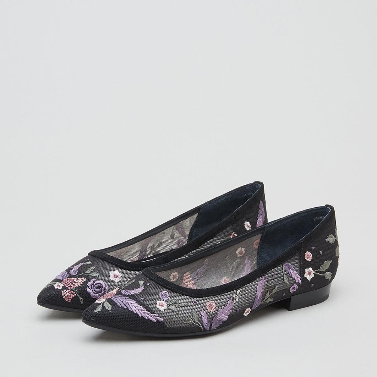 刺繡拼接低跟鞋