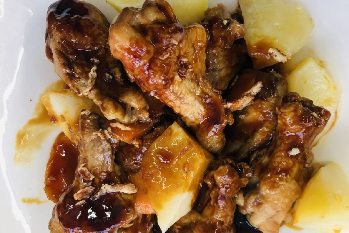 1 Set - Ready-cooked Meal (Drumsticks in Swiss Sauce)