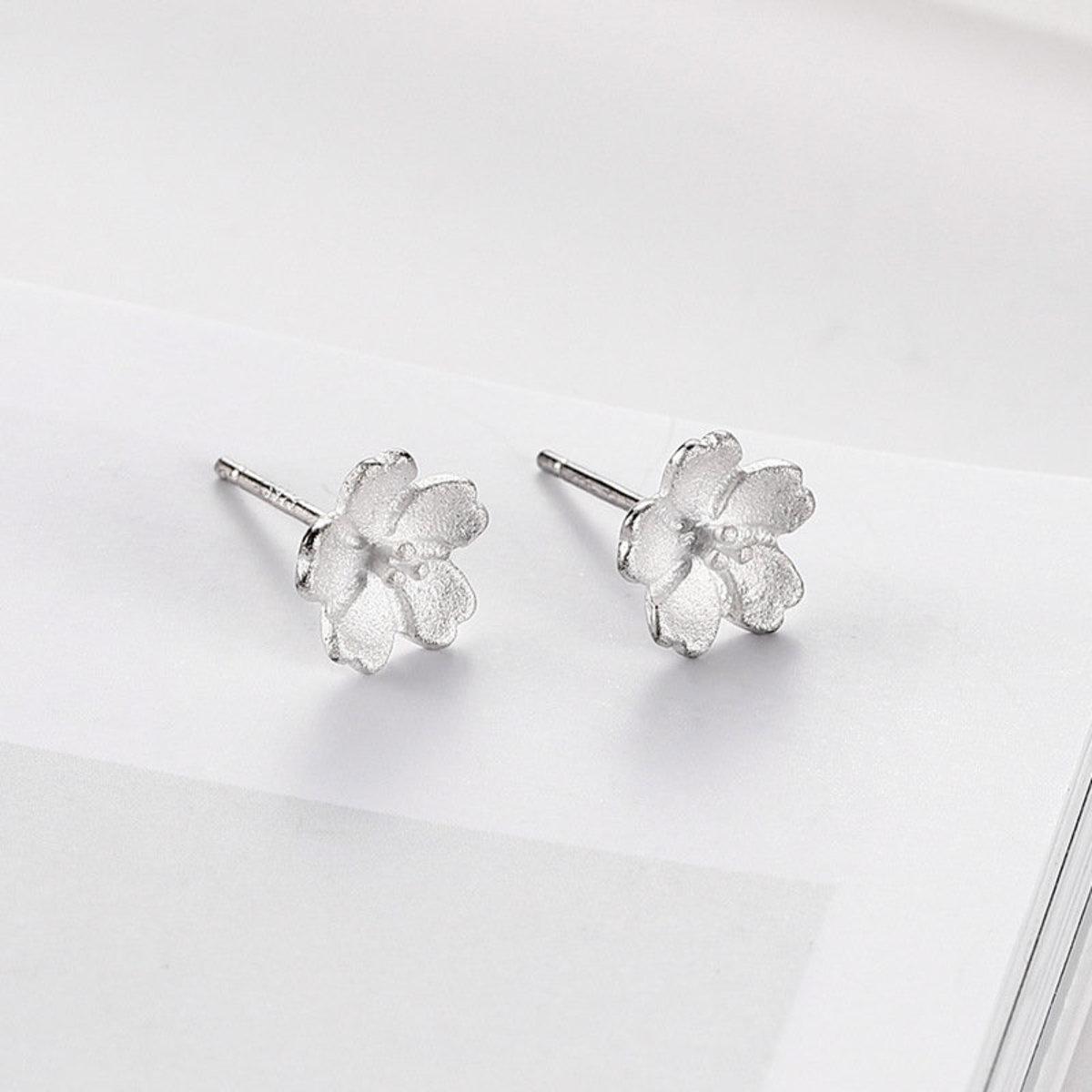 S925純銀日韓簡約防過敏耳釘耳環(小櫻花)
