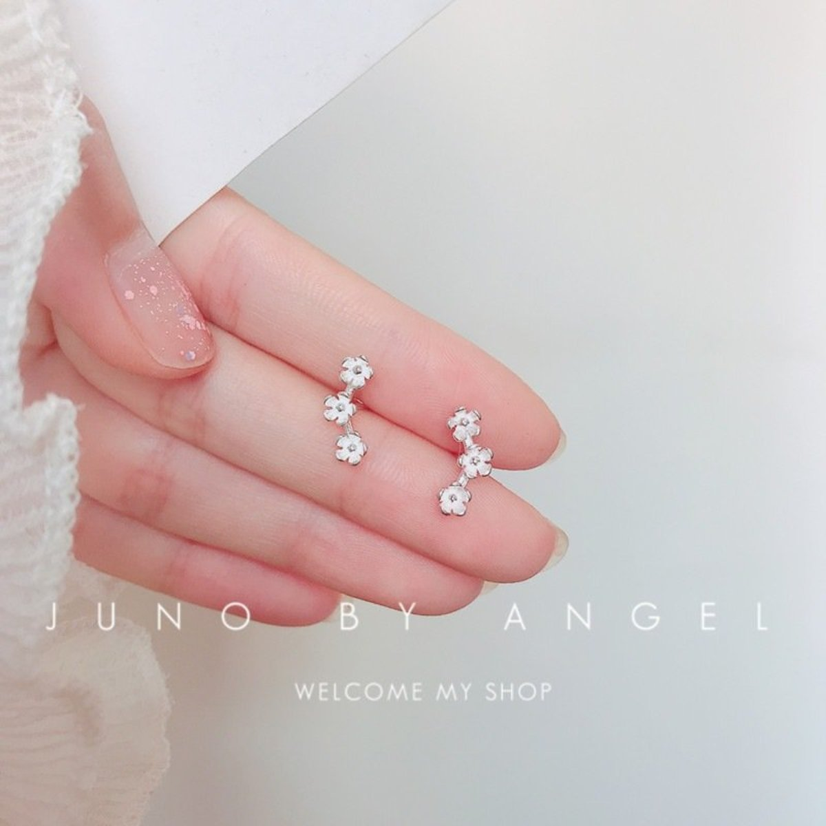 S925純銀日韓簡約防過敏耳釘耳環(三連小花)