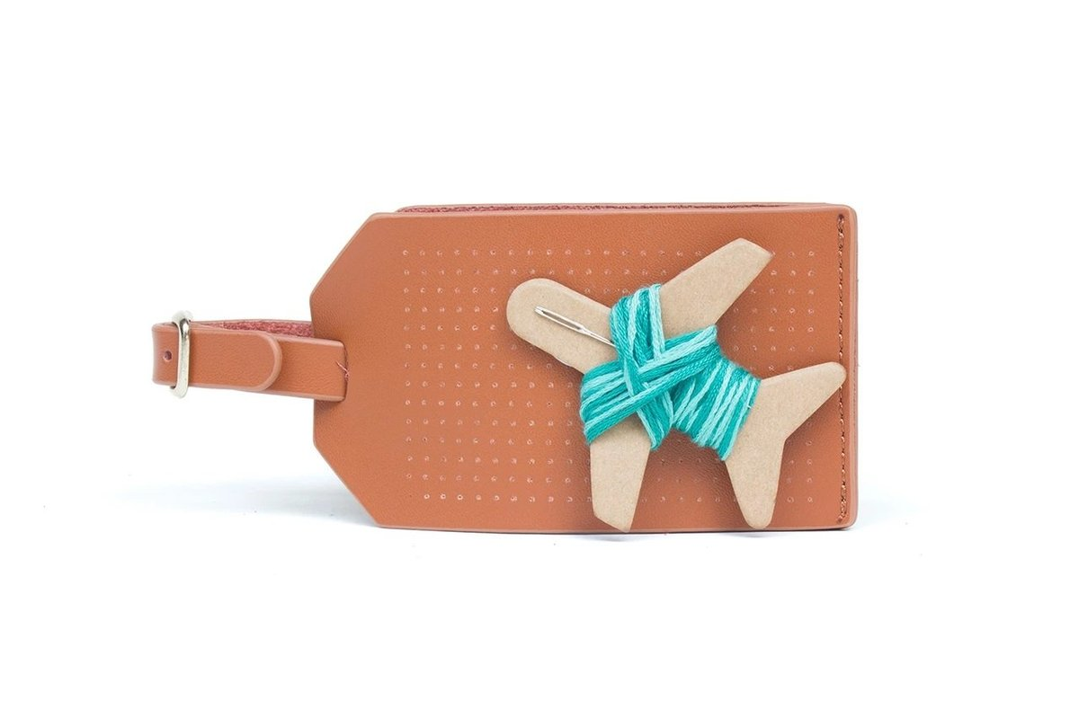 STITCH LUGGAGE TAG (BROWN)