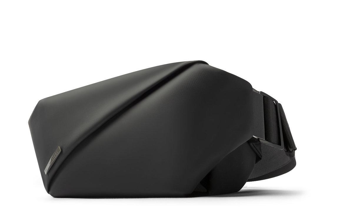 多重功能‧雙向隱藏儲存 R0 時尚胸包 - 黑色
