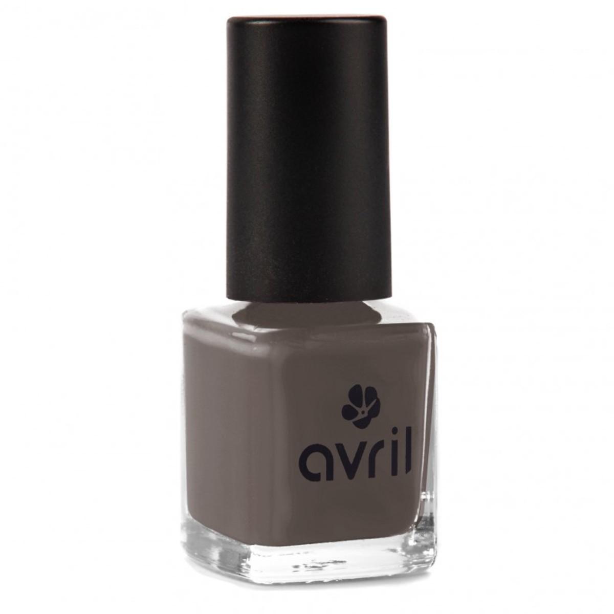 Nail polish Bistre N°657