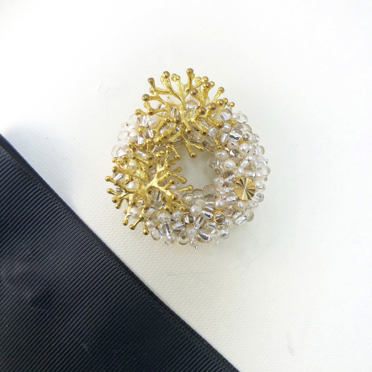 Exquisite - Japanese Style Brooch
