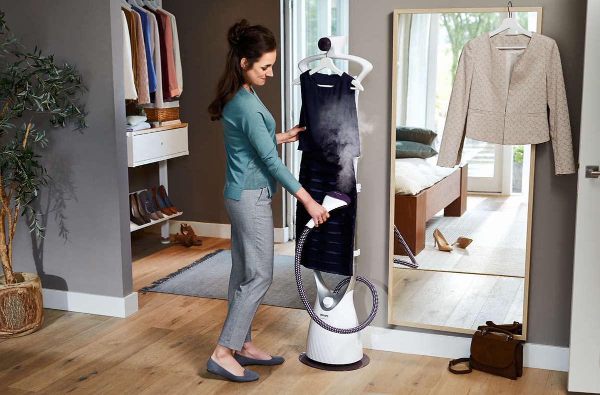 GC557 ComfortTouch Garment Steamer